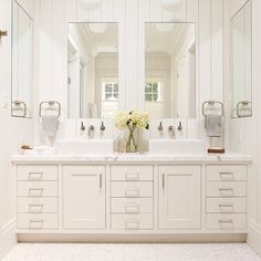 I'm in love with this bathroom. So clean and serene. #decorating #interiordesign #homedecor #spa #bathroom #white #timeless