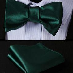 Elegantný hodvábny set - motýlik a vreckovka, v tmavo zelenej farbe