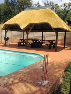 A nice 8x 4m thatched Lapa
