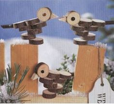 Wood birds: Source by arminbaumgraetner . Wood Log Crafts, Wood Slice Crafts, Diy Wood Projects, Woodworking Projects, Woodworking Plans, Christmas Wood, Christmas Crafts, Wood Animal, Wood Bird