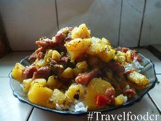 Papas con Salchichas !!!! Fáciles de preparar y deliciosas !!!!  Link: http://travelfoodcr.weebly.com/blog/papas-con-salchichas