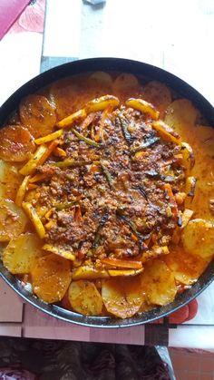 Chou fleur au four turc Curry, Ethnic Recipes, Food, Turkish Cuisine, Baked Cauliflower, Armenian Recipes, Curries, Essen, Meals