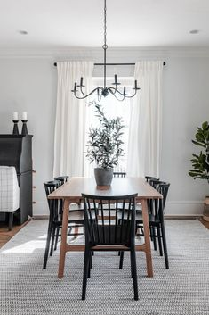 modern dining room decor and faux greenery complete this dining room space for the Neutral Spring Home Tour #springdecor Dining Room Inspiration, Spring Home, Vintage Farmhouse, House Tours, Sweet Home, Room Decor, Interior Design, Modern, Greenery