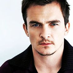 Rupert Friend Peter Quinn in Homeland Bloedstollend ijzig cool