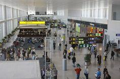 Arrestadas cuatro personas de nacionalidad polaca en Málaga por alteración del orden en un avión :http://www.malagaes.com/mlgcpt/arrestadas-cuatro-personas-de-nacionalidad-polaca-en-malaga-por-alteracion-del-orden-en-un-avion/