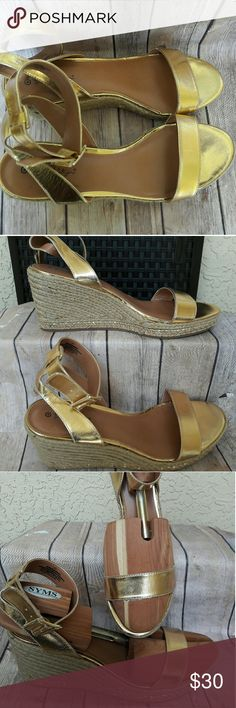 Lilly pulitzer gold wedges size 11 Sandals are nice, see pictures for more details Lilly Pulitzer Shoes Wedges