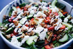 Godaste salladen till grillat   MATPLATSEN Caprese Salad, Cobb Salad, Clean Recipes, Allrecipes, Salad Recipes, Grilling, Salads, Bbq, Food And Drink