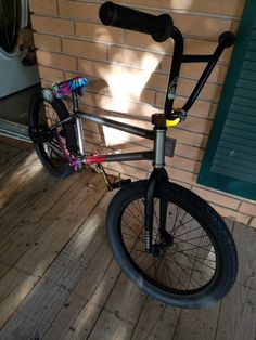 SickTwist BMX so. Black Bmx, Vintage Bmx Bikes, Best Bmx, Bmx Street, Bmx Bicycle, Bike Parking, Skateboard Decks, Skate Park, Cool Bikes