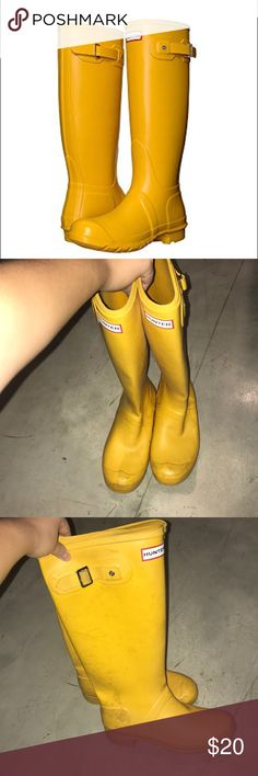 Original Hunter Rainboots These amazing hunter boots are perfect for any amount of rain. They are worn so I'm selling them at a discount. Definitely check out the pictures but they're still in great condition! Hunter Shoes Winter & Rain Boots