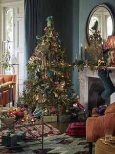 Christmas Room, Christmas Tree Themes, Green Christmas, Luxury Christmas Tree, Xmas, Christmas Pictures, John Lewis Christmas Decorations, Decoration Christmas, Blue Nails