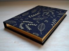 Notebook Cover Design, Diy Notebook, Journal Notebook, Cute Spiral Notebooks, Cute Notebooks, Fabric Book Covers, Cool School Supplies, Cool Journals, Stitch Book