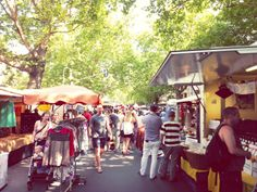 ღღ Kollwitzplatz Organic Market, Prenzlauer Berg.