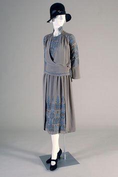 Elizabeth Bertch silk crepe dress, American, 1920. Via Kent State University Museum