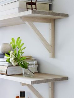 Wood shelves from Norrgavel Diy Shelves, House Interior, Wooden Shipping Crates, Wood Crates, Man Of The House, Shelves, Diy Furniture, Home Deco, Home Decor