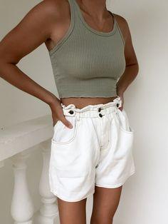 Fashion Tips Quotes Outlaw Paperbag Denim Shorts.Fashion Tips Quotes Outlaw Paperbag Denim Shorts Mode Outfits, Short Outfits, Trendy Outfits, 90s Fashion, Fashion Outfits, Womens Fashion, Fashion Tips, French Fashion, Classy Fashion