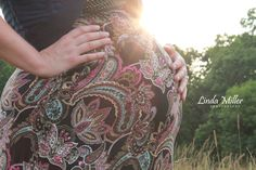 Linda Miller Photography www.lindamillerphotography.com  Maternity session, evening, sunset, natural lighting, grassy field, what to wear, pose ideas, fort belvoir