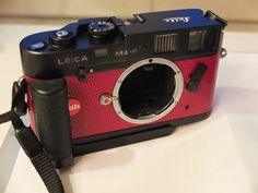 Leica M4-P with 14405 Leica handgrip