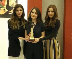 Çiçekler.... Turkish Beauty, Turkish Fashion, Turkish Actors, Actors & Actresses, Photoshoot, Model, Beautiful, Friends, Style