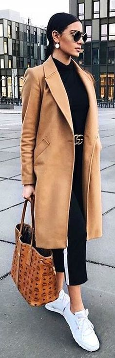 #spring #outfits brown suede coat. Pic by @_luxury_fashion_style