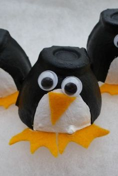Make these super easy egg box penguins with your kids this Christmas Winter Crafts For Kids, Halloween Crafts For Kids, Xmas Crafts, Diy Crafts For Kids, Craft Ideas, Kindergarten Crafts, Preschool Crafts, Egg Box Craft, Ocean Animal Crafts