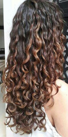 Dyed Curly Hair, Colored Curly Hair, Curly Hair Tips, Curly Hair Care, Wavy Hair, Curly Hair Styles, Highlights Curly Hair, Aesthetic Hair, Gorgeous Hair