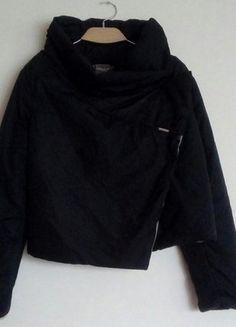 Kup mój przedmiot na #vintedpl http://www.vinted.pl/damska-odziez/kurtki/15944286-kurtka-asymetryczna-kolnierz-m
