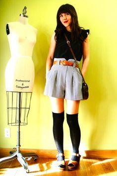 Gray-vintage-shorts-black-vintage-blouse <3