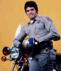 punch chips tv show | seu companheiro era o policial Jonathan Baker, também conhecido ...