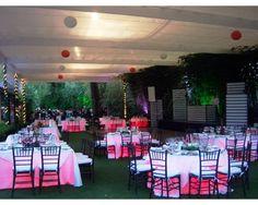 MONTAJE EN JARDIN EN LA CIUDAD / Iventt Claudia Ceballos / banquetes para boda