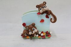 Homemade Polymer Clay, Woodland Critters, Pencil Holder, Air Dry Clay, Wood Pieces, Clay Crafts, Clay Art, Card Holder, Shapes