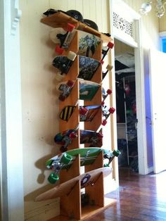 Im looking to build a longboard rack. I have 3 boards right now and another on the way and I dont want them all just laying around my garage. Skateboard Storage, Surfboard Storage, Longboard Design, Longboard Decks, Skates, Ski Rack, Niklas, Wood Projects, Woodworking Projects