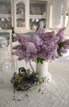 Purple lilacs, violets