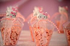 Vintage-Chic-Hello-Kitty-Party-Candies