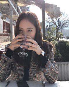 f(x) pics ( Krystal Fx, Jessica & Krystal, Jessica Jung, Kpop Outfits, Fashion Outfits, Krystal Jung Fashion, Idol, Korea Fashion, Kpop Fashion
