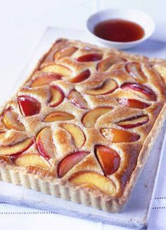 Peach and almond tar