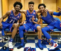 Kansas Jayhawks Josh Jackson, Frank Mason III & Devonte' Graham Thrilling to watch these men. Going to miss these guys! Kansas Jayhawks Basketball, Kansas Basketball, Basketball Workouts, Basketball Players, College Football, Soccer, Frank Mason, Josh Jackson, University Of Kansas