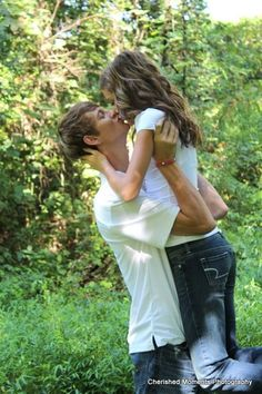so simple/cute... senior picture for me and justin this summer? <3