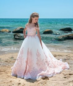 New White Flower Girl Dresses With Pink Applique Pageant Dresses For Girls 2018 Pretty Communion Dresses Party Gowns For Girls Pagent Dresses For Kids, Girls Pageant Dresses, Gowns For Girls, White Dresses For Kids, Holiday Dresses, Pink Flower Girl Dresses, Little Girl Dresses, Lace Flower Girls, Kids Gown