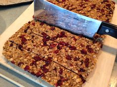 Wise Momma's Kitchen : Lactation Granola Bars (Dairy free) MMM!!