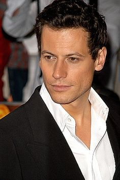 Ioan Gruffudd - easy on the eye, even if his name isn't easy on the tongue!