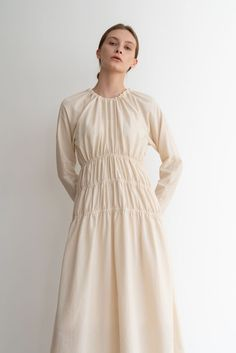 Kindersalmon Essential Line Shirring Dress Cream Fashion Details, Look Fashion, Girl Fashion, Fashion Outfits, Fashion Quiz, 90s Fashion, Edgy Dress, Casual Dresses, Summer Dresses