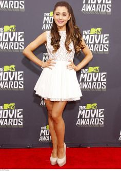 Ariana Grande wore a cute white dress for the 2013 MTV Movie Awards