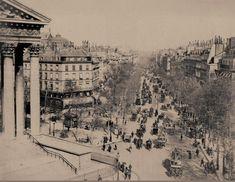 Superbe vue du boulevard de la Madeleine en direction de l'Opéra, vers 1880. Avec, sur la chaussée, presqu'autant de chevaux que d'humains... (Paris 1er/8ème/9ème) Paris Pictures, Old Pictures, Old Photos, Paris Vintage, Old Paris, Horizon Paris, Paris France, Vintage Architecture, I Love Paris