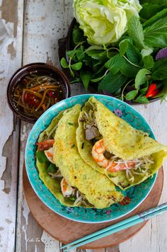This Shrimp And Pork Stuffed Savory Pancake recipe is featured in the Southeast Asian Cuisine feed along with many more. Vietnamese Street Food, Asian Street Food, Vietnamese Cuisine, Vietnamese Pancakes, Easy Vietnamese Recipes, Asian Recipes, Asian Foods, Omelette, Banh Xeo