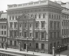 The mansion Pierre Cartier bought for a double string of natural pearls worth $1 million dollars (in 1917, roughly £23 million in 2013!) and $100 cash. Still to this day the Cartier flagship store on Fifth Avenue in America.