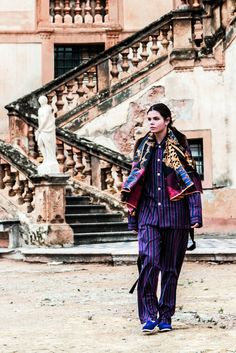 Shooting session in Sicily with silk Kinloch foulard in Villa Valguarnera in Bagheria, Palermo