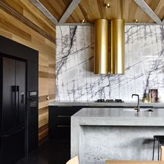 Torquay Concrete House developed by Auhaus Architecture. Find all you need to know about Torquay Concrete House products and more from Bookmarc. Concrete Pad, Concrete Kitchen, Concrete Houses, Brass Kitchen, Concrete Bench, Timber Kitchen, Kitchen Vent, Warm Kitchen, Green Kitchen