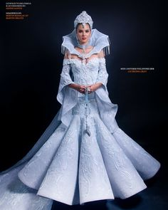 Photographed by Albert Tamayo Molina Miss Universe Philippines 2018 Catriona Elisa Gray wears Dennis Santos creation including hair and… Miss Universe Philippines, Miss Philippines, Philippines Culture, Carmen Miranda Costume, Game Of Thrones Outfits, Vietnam Costume, Filipiniana Dress, Filipina Beauty, Fairytale Dress