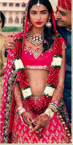 Magenta Indian Bridal - what a beautiful bride Indian Bridal Fashion, Indian Bridal Wear, Indian Wear, Pakistani Wedding Dresses, Indian Dresses, Indian Outfits, Ethnic Fashion, Asian Fashion, Indian Couture