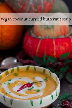Thick and hearty, ready in 50 mins, my mild and creamy #vegan curried #coconut #butternut squash #soup is free from #gluten, #soy, and #nuts, and is unspeakably delicious! | yumsome.com Vegan Chili, Vegan Curry, Curry Recipes, Soup Recipes, Chili Recipes, Veggie Christmas, Christmas Recipes, Thanksgiving Recipes, Kitchens